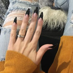 Accessories - Glue On Nails
